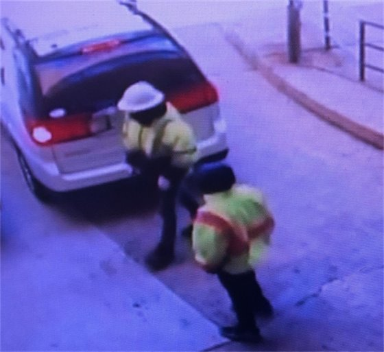 Thieves Pretending to beTruck workers